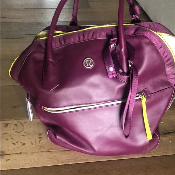 lululemon athletica Handbags - Big workout bag